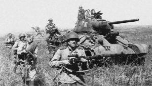 Τα ιστορικά T-34/85 που κατέλαβαν το Βερολίνο για παρέλαση στη Μόσχα (vid.)