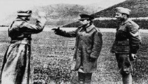 """""""Μην παραχαράσσετε την ιστορία"""": ΕΡΤ – ΣΑΝ ΣΗΜΕΡΑ & γερμανική εισβολή"""
