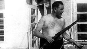 Άμον Γκετ, ο σαδιστής, κλέφτης δαίμονας των SS της Λίστας του Σίντλερ (vid.)