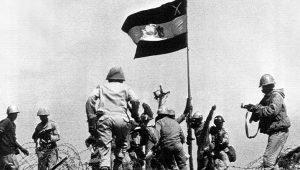 Ο ΑΓΝΩΣΤΟΣ πόλεμος Αιγύπτου–Λιβύης το 1977… Σαντάτ Vs Καντάφι (vid.)